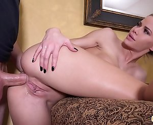 Jessa Rhodes Teaches Anal Sex To Her Friend With Some Roleplaying